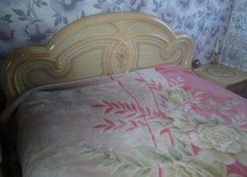 Продам спальный гарнитур.
