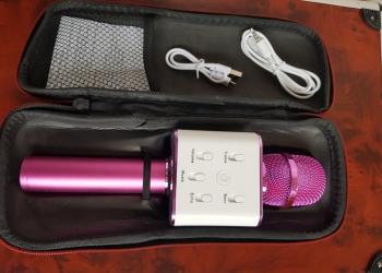 Продаю караоке микрофон,новый,в чехле,в полной комплектации,ниже себестоимости.