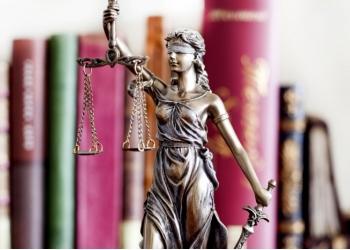 Адвокат , услуги адвоката , юридические услуги