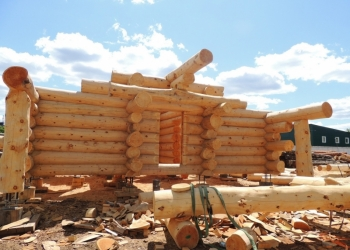 Готовый сруб бани из бревна кедра