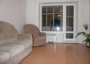 Продаётся 3 комнатная  квартира 63 кв. мет.в центре районного посёлка Таврическо