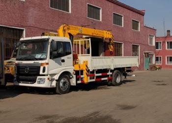 Бортовой грузовик Foton Auman с крановой установкой