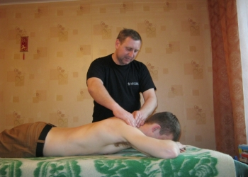 Костоправ-массажист