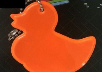 Брелок светоотражающий Уточка оранжевый