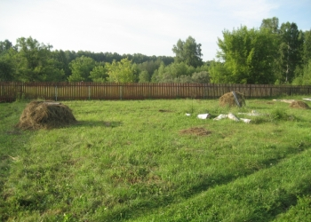 Земельный участок 76 соток с коммуникациями+40 соток под огород через дорогу