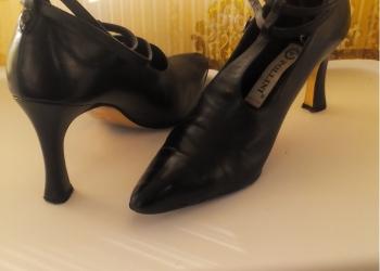 Черные женские туфли POLLINI Италия
