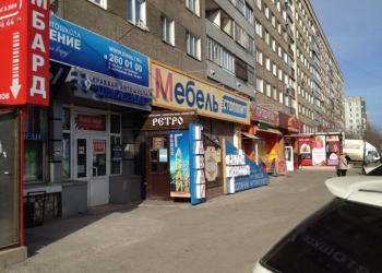 Продам магазин на остановке с арендатором Щорса 76