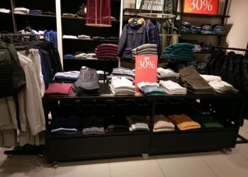 Для магазина одежды Торговое оборудование