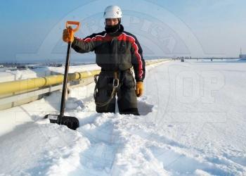 Уборка снега с крыш, Очистка кровли от наледи, сосулек и снега в Белгороде