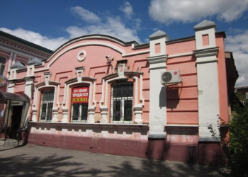 Отдельное здание на первой линии Куприна