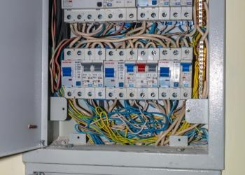 Дорогие, качественные электромонтажные работы. Грозозащита и защита от ЭМП.