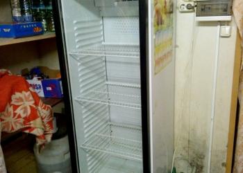 Продам витрину холодильную