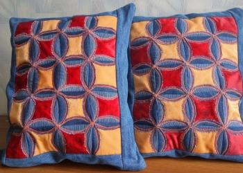 Подушки из джинсы и атласа ручной работы