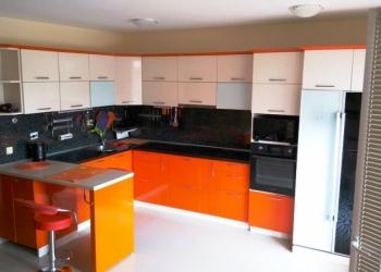 Продам 4-х комнатную 2-х уровневую квартиру в Болгарии