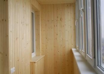 Мастер - обшиваю деревянной вагонкой стены и потолки.  Стелю деревянные полы.