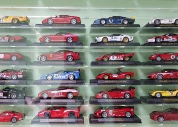 Стеллажи для моделей 1/43 и других коллекций