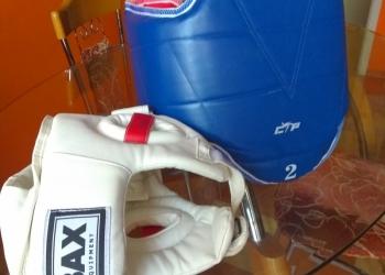Жилет и шлем