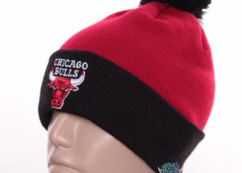 Шапки зимние Chicago Bulls с помпоном баскетбол с доставкой по России