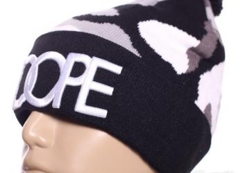 Шапка зимняя Dope с помпоном черная белая хип хоп с доставкой по России