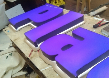 Изготовление световых букв, световые короба, вывески