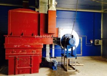 Продам теплогенератор на древесных отходах УВН 400 М с комплектацией