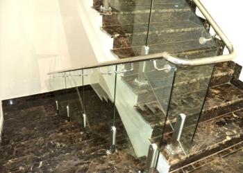 Лестничные ограждения, перила, поручни из нержавеющей стали и стекла