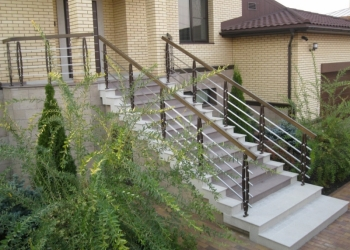 Проектирование,изготовление и монтаж различных лестниц.