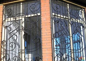 Кованая решетка на окно Barhat