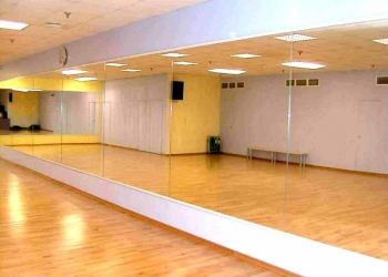 Срочно продаю ЗЕРКАЛА для танцевального зала или фитнеса!
