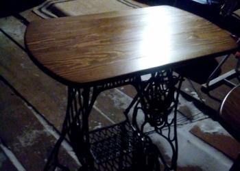 Столик из столешницы на станине Зингер
