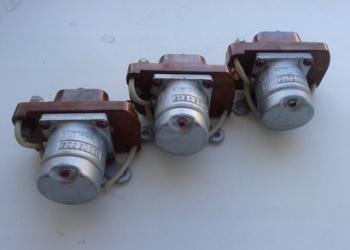 Контактор КМ-100ДВ 27В.