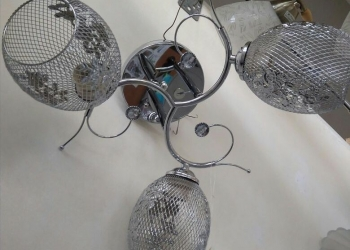 Люстра с металлическими плафонами