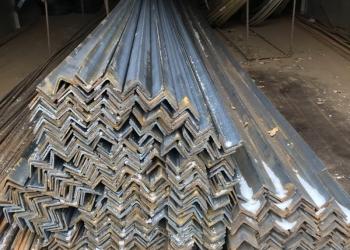 Уголок  металлический 40*40, 50*50