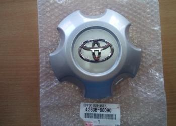 Колпак на литой диск Toyota Land Cruiser 200