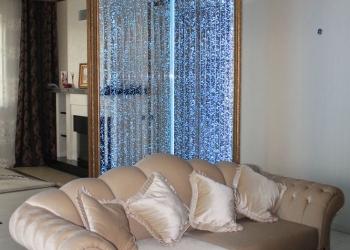 водопады  по  стеклу  и  зеркалу