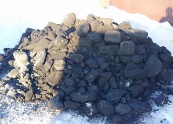 Уголь мешками и тоннами. Дрова