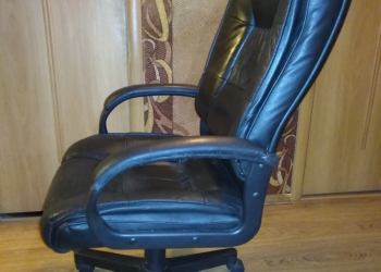 Продаётся коженное кресло