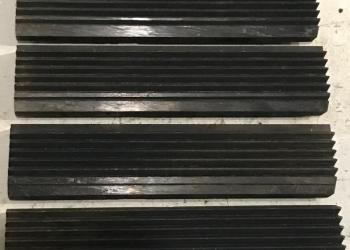 Продам гребенки плоские резьбонарезные комплект из 4 шт. Р6М5